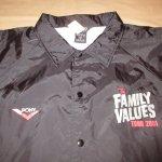 画像3: デッドストック 00's THE FAMILY VALUES TOUR 2001 音楽フェス ナイロン コーチジャケット BLK / 190119 (3)