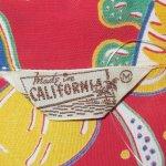 画像3: 古着 50's MADE IN CALIFORNIA MUSICAL ウクレレ 総柄 レーヨン アロハシャツ RED / 190728 (3)