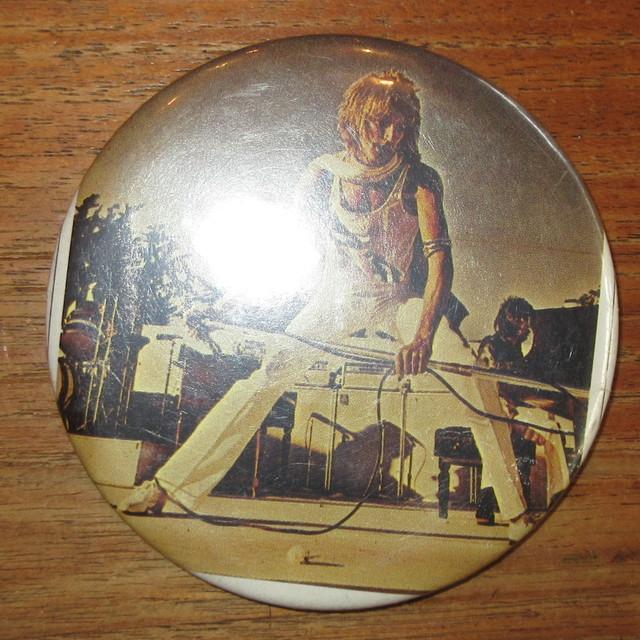 画像1: ヴィンテージ Rod Stewart ロッドスチュワート ビッグサイズ 缶バッジ 80's / 160810