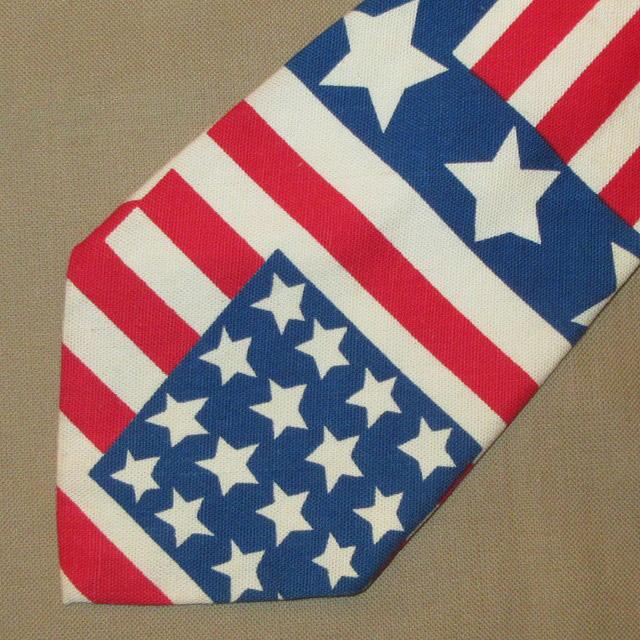 画像1: 古着 70〜80's UNKNOWN AMERICAN FLAG アメリカ国旗 星条旗 コットン ネクタイ WHT / 170726