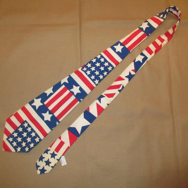 画像2: 古着 70〜80's UNKNOWN AMERICAN FLAG アメリカ国旗 星条旗 コットン ネクタイ WHT / 170726